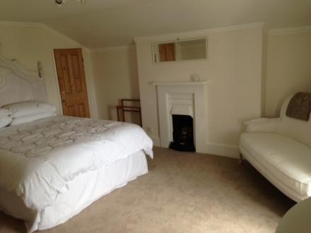 Top Floor Kingsize bedroom